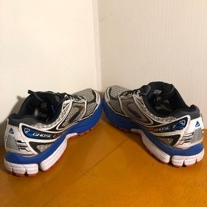Brooks Shoes - Brooks Ghost 7 Size 9.5